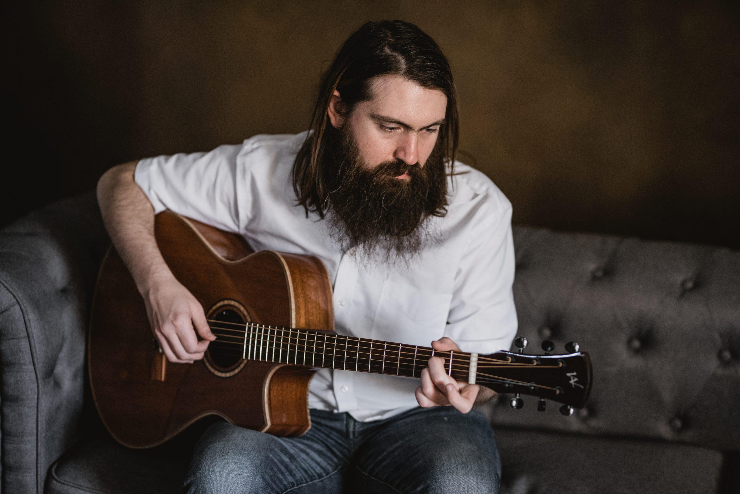 Guitar Tips And Tricks: Technique Pt. 2 – Alternate Picking