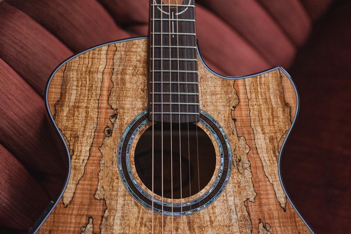 Guitar Spotlight: Freja 2S2